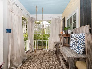 Chattanooga vacation rentals 'Adorable Maplewood Cottage', Ruby Falls,1 mile,