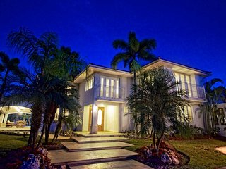 5 bedrooms, 5.5 bathrooms, Private Pool, Dorado