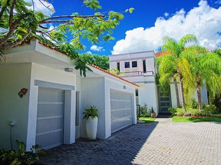 4 Bedrooms, 4.5 Bathrooms, Private Pool, Dorado