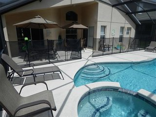South Facing Luxury Pool/Spa 4 Bed Home in Resort, Kissimmee