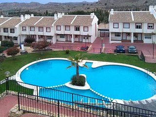 Luxurious, 3-bedroom house on a golf course in Monforte del Cid with a swimming pool and WiFi!