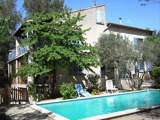 Traditional house with swimming pool, Nîmes