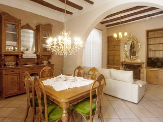 Cozy rustic house 5 min away from the beach, North of Barcelona!, El Masnou