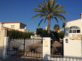 Albir,  2 Bed villa, 2 bathrooms, Private Pool and garden  sleeps up to 5 .