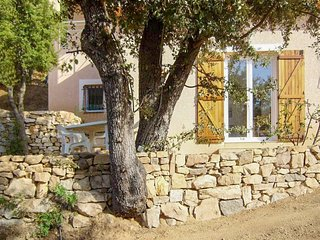 Newly refurbished apartment in perfectly situated Alata, Corsica with garden area and WiFi