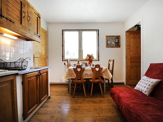 Génépi 3 – a spacious, 1-bedroom apartment located in the Alps Les Menuires / 3 vallées – 100m from the slopes!