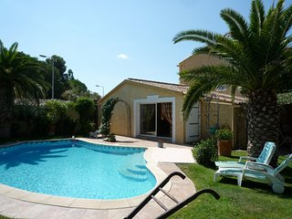 Traditional, 3-bedroom house in Montpellier with WiFi, a furnished terrace and a swimming pool!