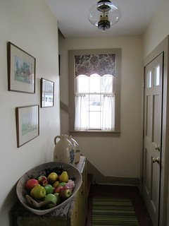 Foyer entering from driveway
