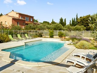 Aloevera - Well-appointed house in Cucuron with a private swimming pool and furnished terrace!