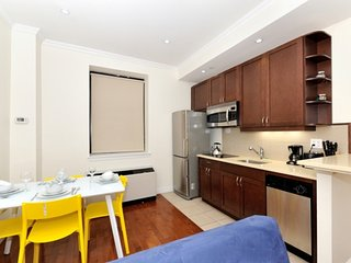 Madison Square Garden Executive #5 - Two Bedroom Apartment - Apartment