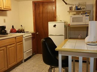 Pretty JFK studio apt in the basement.. pvt bathrm,