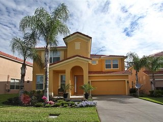 351 Las Fuentes Dr, Kissimmee