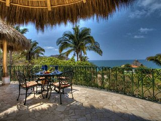 S(CL) Studio with wonderful views short walk to the beach and town. Real Mexico