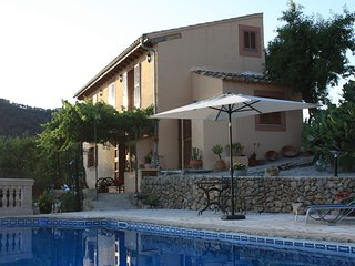 SA TEULERA. Beautiful country house with pool, Alaró