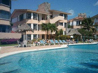 Coral Mar 2 bedroom December 30th to January 6th 2018