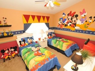 Story Time 2 townhouse ..3 Bed/ 3 Bath near Disney, Kissimmee