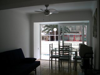 Modern Central Salou Compact 3 Bedroom Apartment