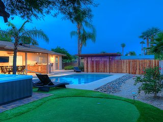 Bella Luna 5 br 3 ba new remodel close to Kierland, Scottsdale