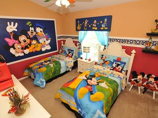 Story Time 3 ...3 Bed/3 Bath townhouse near Disney