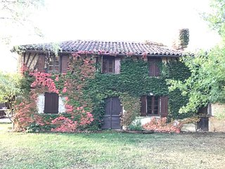 Secluded character farmhouse with gardens & pool