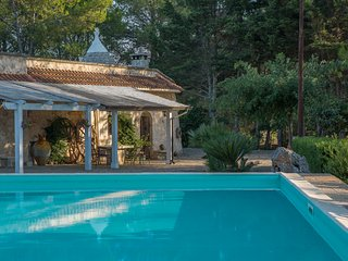 Amazing Trullo in Villa Rental, Ceglie Messapica