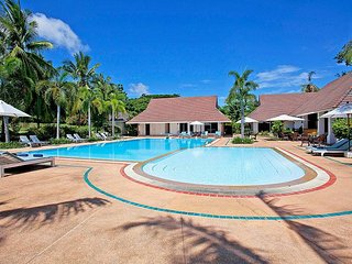 Private resort 6 bed villas and pool, Na Chom Thian