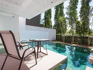 4 bed golf villa, private pool 10 min Patong beach