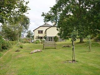 STOOP Cottage in Totnes, Broadhempston