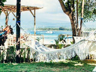 Senang Beachfront villa, Gili Air sleep's 8pax