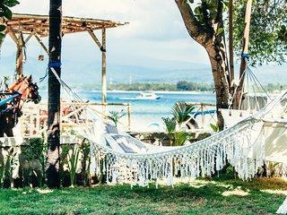 Senang Beachfront villa, Gili Air sleep's 8pax