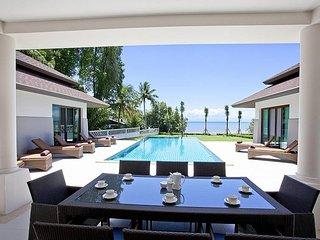 Spectacular beachfront 4 bed villa, Ko Chang