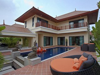 Bangsaray 3 bed 250m to beach, Sattahip