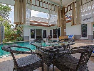 Modern Asian 3 bed villa with pool, Na Chom Thian