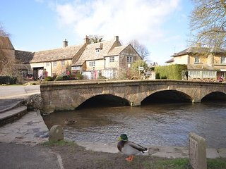 40747 Cottage in Bourton-on-th, Bourton-on-the-Water