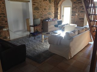 Traditional  3floor house with seaview, Inousses