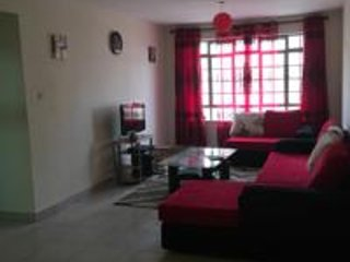 Safe & Accessible 3 Bedrm Entire Apt near Airport