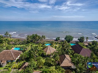 Villa Rigpa - North Bali Beach Front Villa, Banjar
