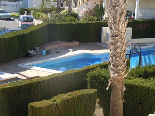 4 Bed XL Villa / A/C / Wi-Fi / Overlooking Communal Pool / Villamartin #157