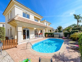 Villas4kids, Villa Dorothy baby & toddler friendly, Protaras