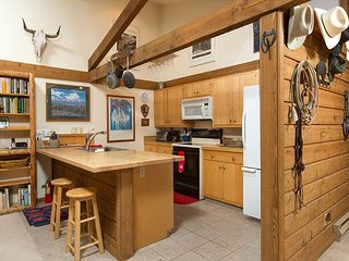 Gorgeous Teton views ~Historical cabin~ Close to Jackson & national parks!