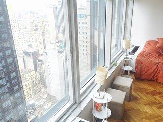 Sunny amazing luxury studio/spa/gym/swimpool/hotub