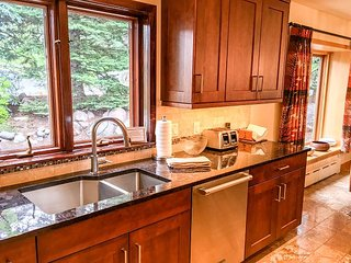 Cascade Village Area 5 bed 4 bath; walk to lifts, Vail