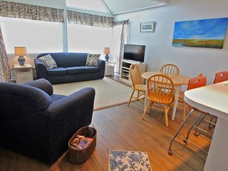2 BR/2 Bath Condo directly across from Clubhouse and Main Pool 1302, Arcadian Shores