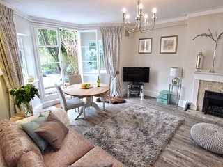 The Garden Suite. 20 The Barons Luxury Apartments, Richmond-upon-Thames