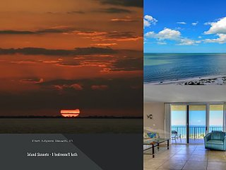 Island Sunsets I & I I - GULF FRONTS-WiFi & ROKU, Fort Myers Beach