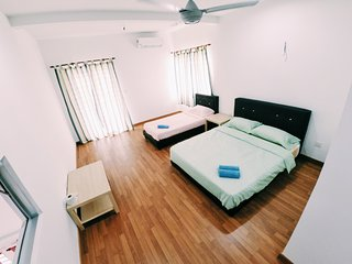 Sweethome Homestay Room for 3 Bandar Enstek KLIA