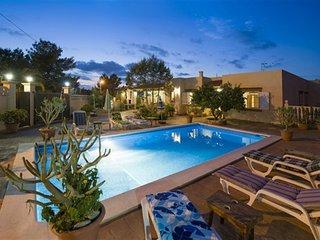 Villa Pins | 4 Bedroom | A/c | Wifi | Pool | BBQ, Ses Paisses