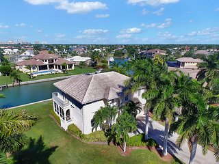 Executive Water Front Estate Home, Goodland