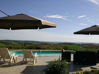 Carcassonne holiday gites with pool sleeps 4