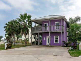 Purple Pelican Beach House w/Pool Access